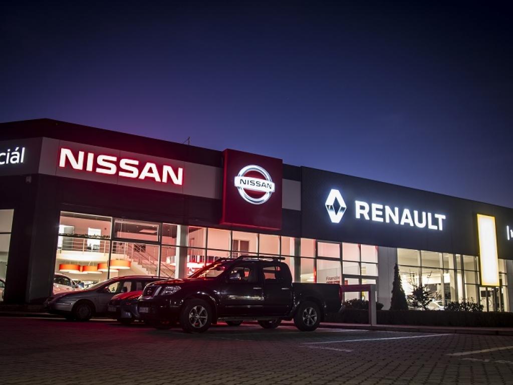 Renault és Nissan szalon felújítás